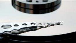 650x300xhard-drive-head.jpg.pagespeed.ic.bv1-Eorp6b